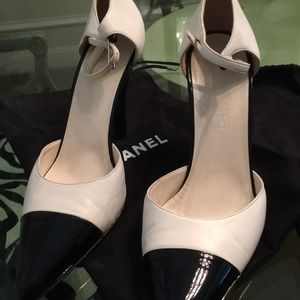 Chanel  high heels 👠!!!